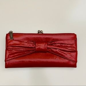 HOBO 100% Patent Leather Wallet W Bow Accent